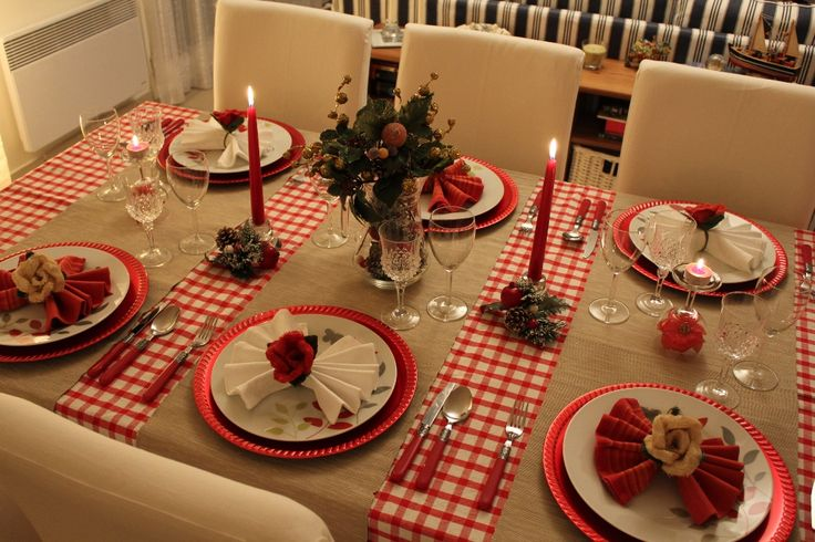 Come apparecchiare la tavola a Natale in maniera rustica