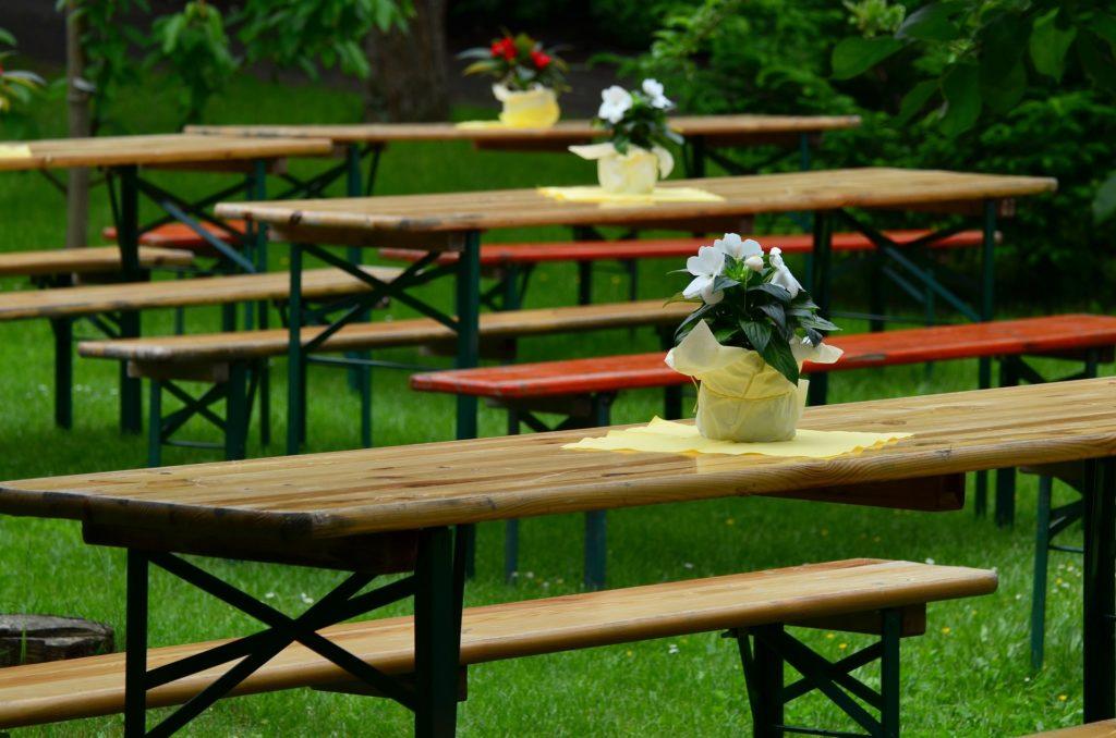 Miglior tavolo pieghevole: ottime soluzioni per interno ed esterno - Immagine in evidenza