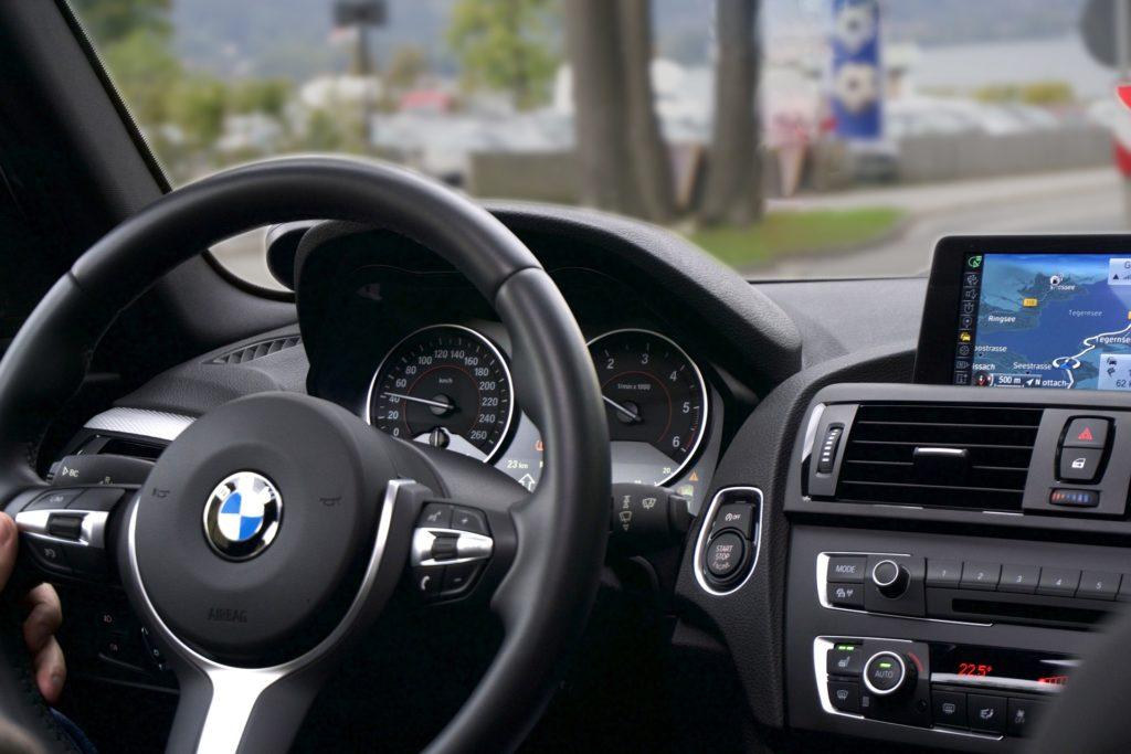 Kit vivavoce Bluetooth per auto: guida alla scelta